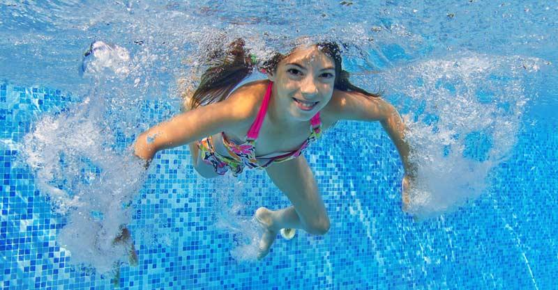 schwimmerin-Fotolia